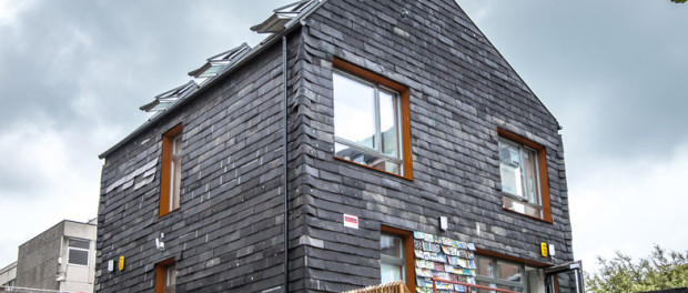 Idea № 762. Brighton Waste House: la casa sostenible hecha de basura y materiales orgánicos